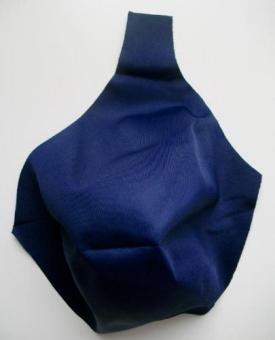 gemoldetes Mikrofaser - Cup blau marine 90B