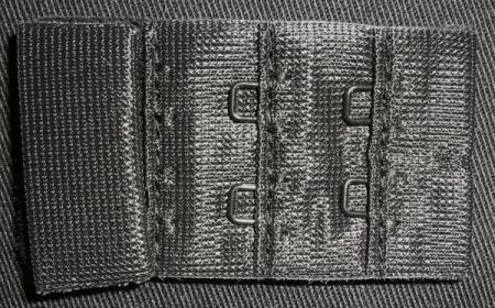 Verschluss schwarz 30mm gepackt als Kurzwarenpaket BH M