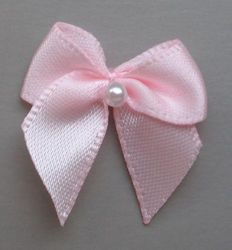Schleifchen mit Perle  Farbrichtung blass rosa kalt