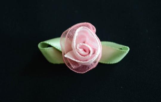 Schleifchen Farbrichtung babyrosa /weiß/blassgrün   Rose