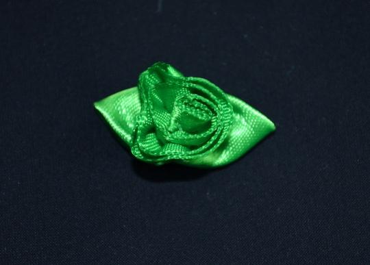 Schleifchen grün Rose