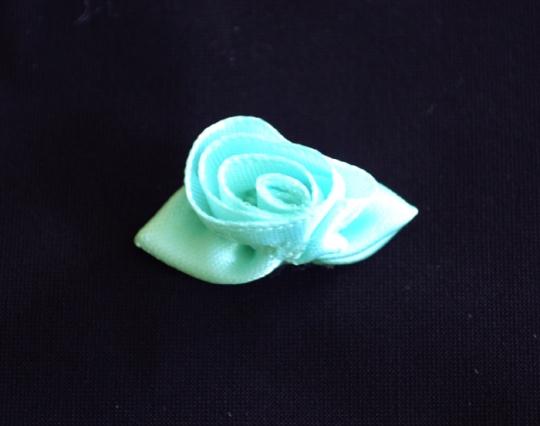 """Schleifchen  Farbrichtung """"aquablau"""" Rose"""