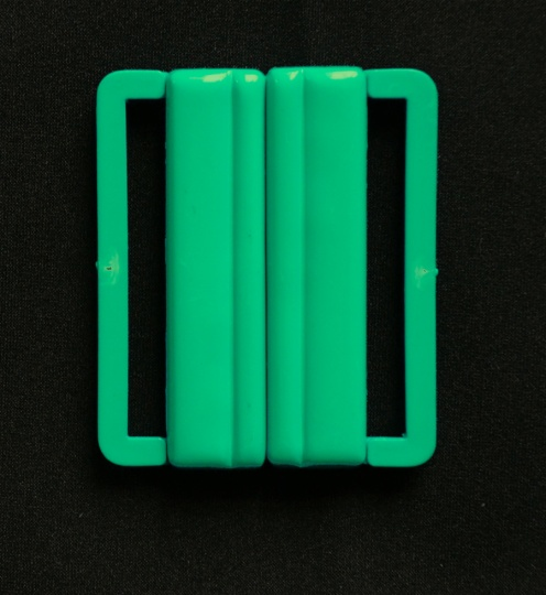 Bikiniverschluss Kunststoff  Farbrichtung eisgrün 39mm
