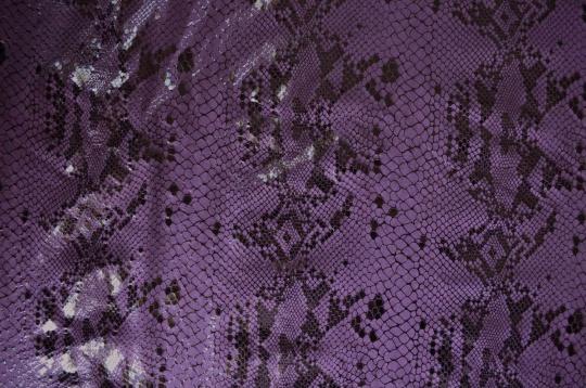 Mikrofaserdruck lila schwarz Schlangenmuster glanz