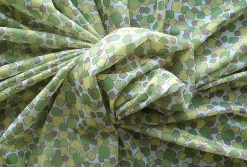 Belegtüll grafisch Farbrichtung  pistaziengrün / kadmiumgelb/  leuchtend grün