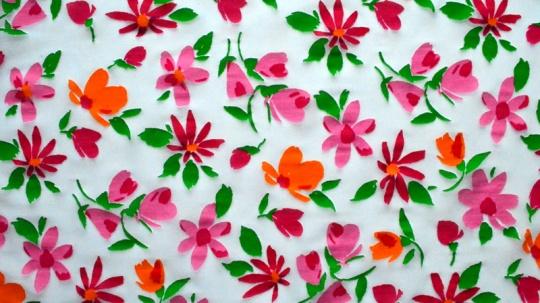 Belegtüll weiß rosa rot grün  Blumen