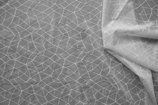 wäschetüll weiß geometrische Linien