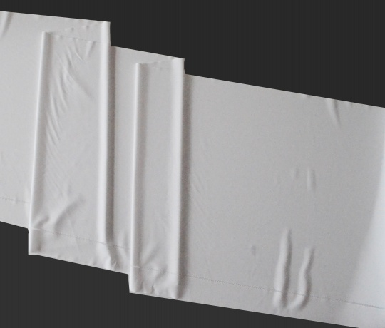 Mikrofaserband weiß Lochmuster mit abgepasster Kante  39cm