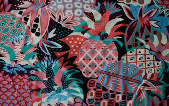 Badeware rot rosa blau Ananas