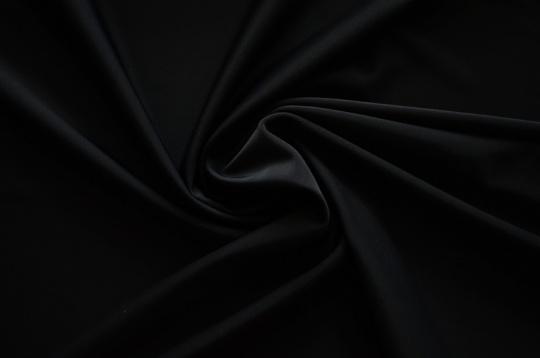 Badeware schwarz individuell abgeschnitten