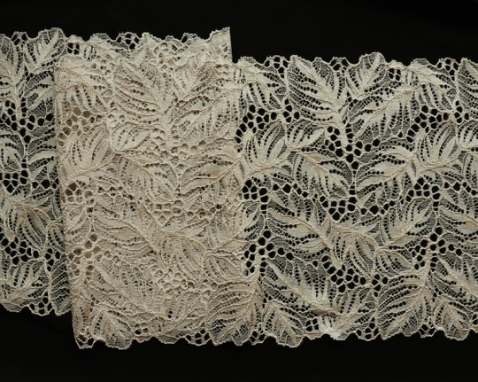 Spitzenband beige-grau 22cm